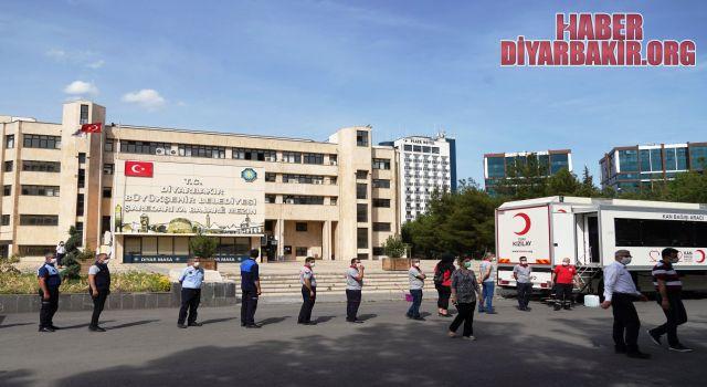Diyarbakır Valisi'nden Kan Bağışı Çağrısı