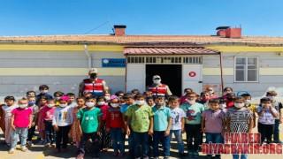 Jandarma Ekipleri Tarafından Okul Çevresi Denetlendi